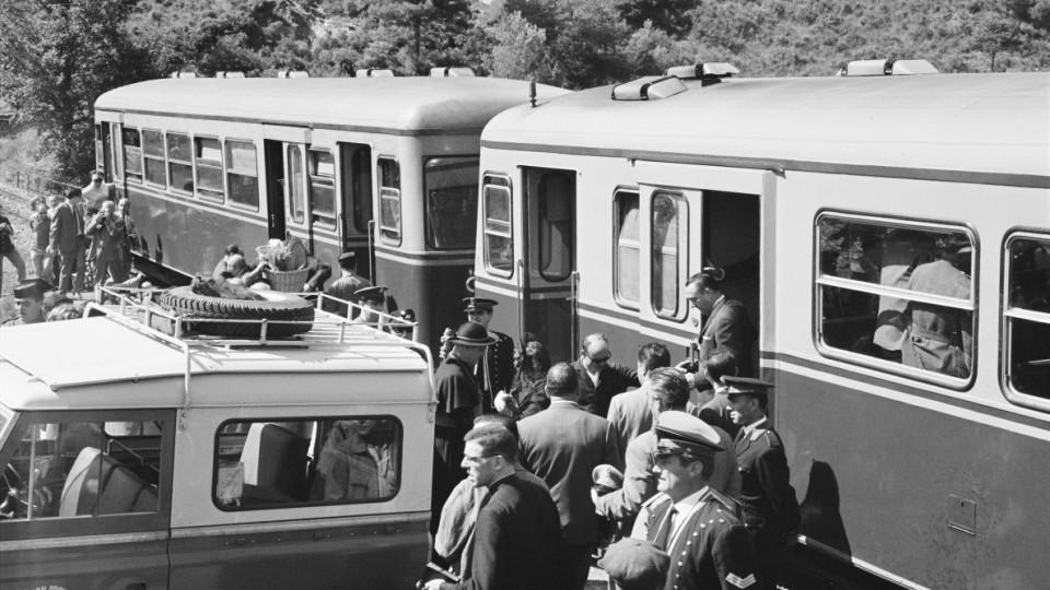 106956_11813 tren al pont de Pedret 4_9_64 (Medium)